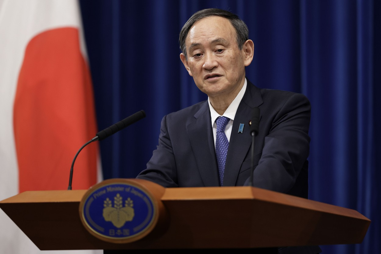 Prim-ministrul nipon Yoshihide Suga, răpus de Covid şi de Olimpiadă