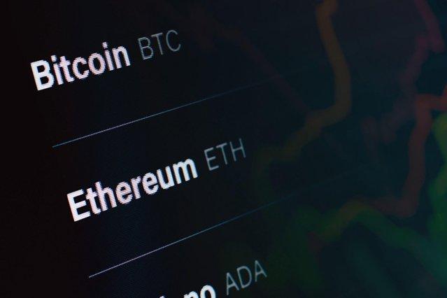 Ce s-a întâmplat cu Bitcoin şi Ethereum la trei zile după ce China a declarat tranzacţiile ilegale|EpicNews