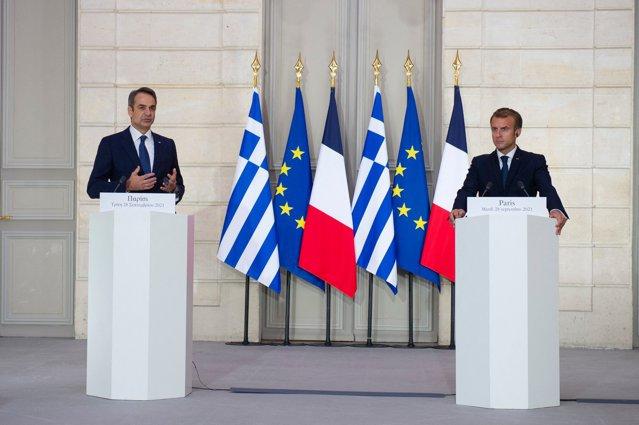 Franţa a semnat un parteneriat strategic în zona Mării Mediterane şi va vinde fregate Greciei|EpicNews