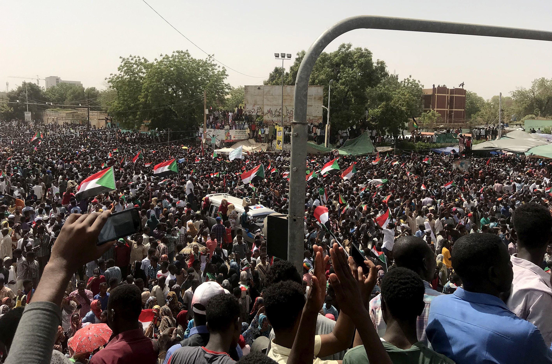 Statele Unite somează regimul militar din Sudan să se retragă de la putere