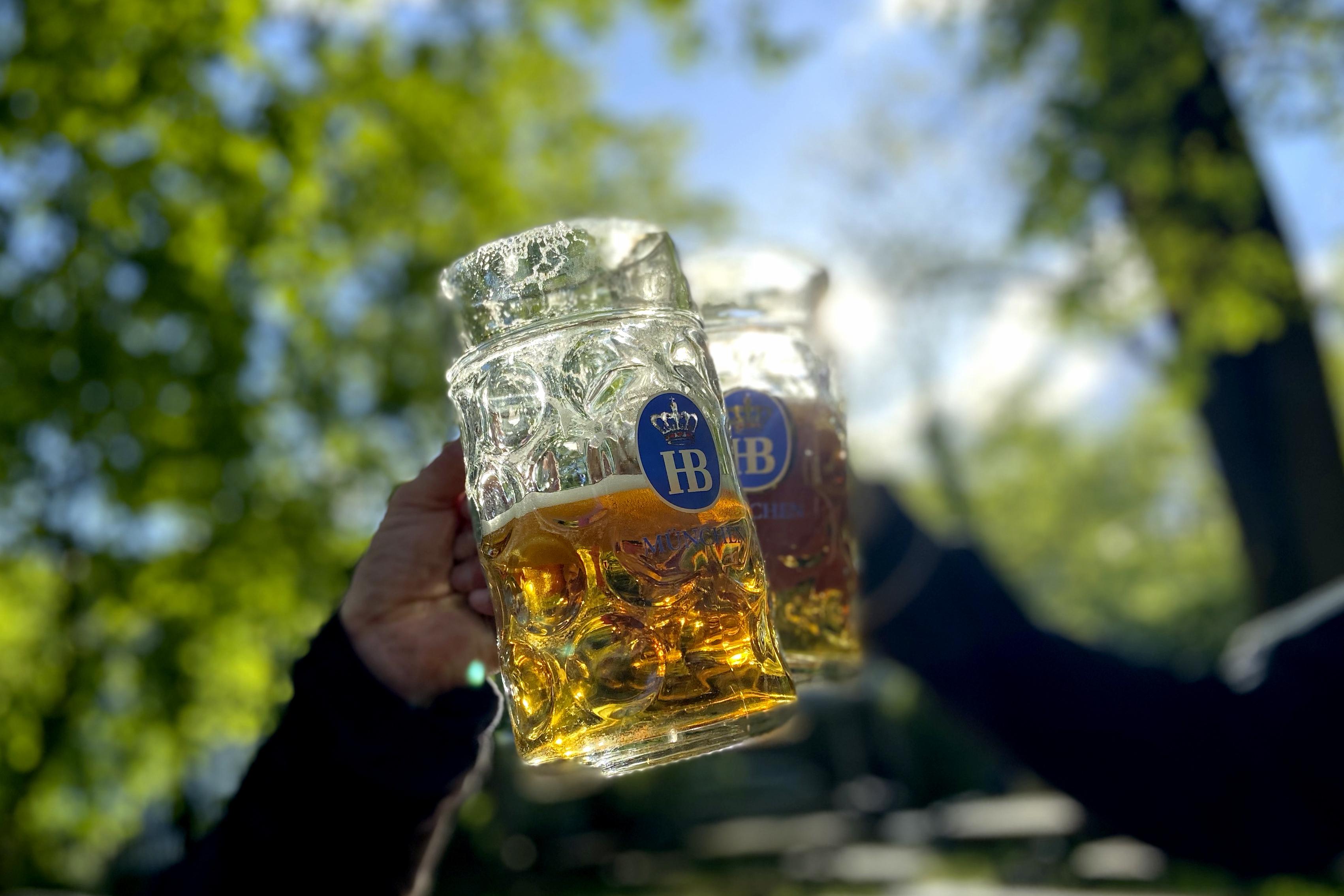 De la bere la maşini, consumatorii germani se confruntă cu preţuri tot mai mari