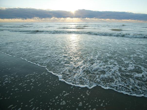 Meteo #azi 10 iulie: Temperaturi de primăvară în mijlocul verii. Pe litoral vremea va fi mohorâtă şi rece