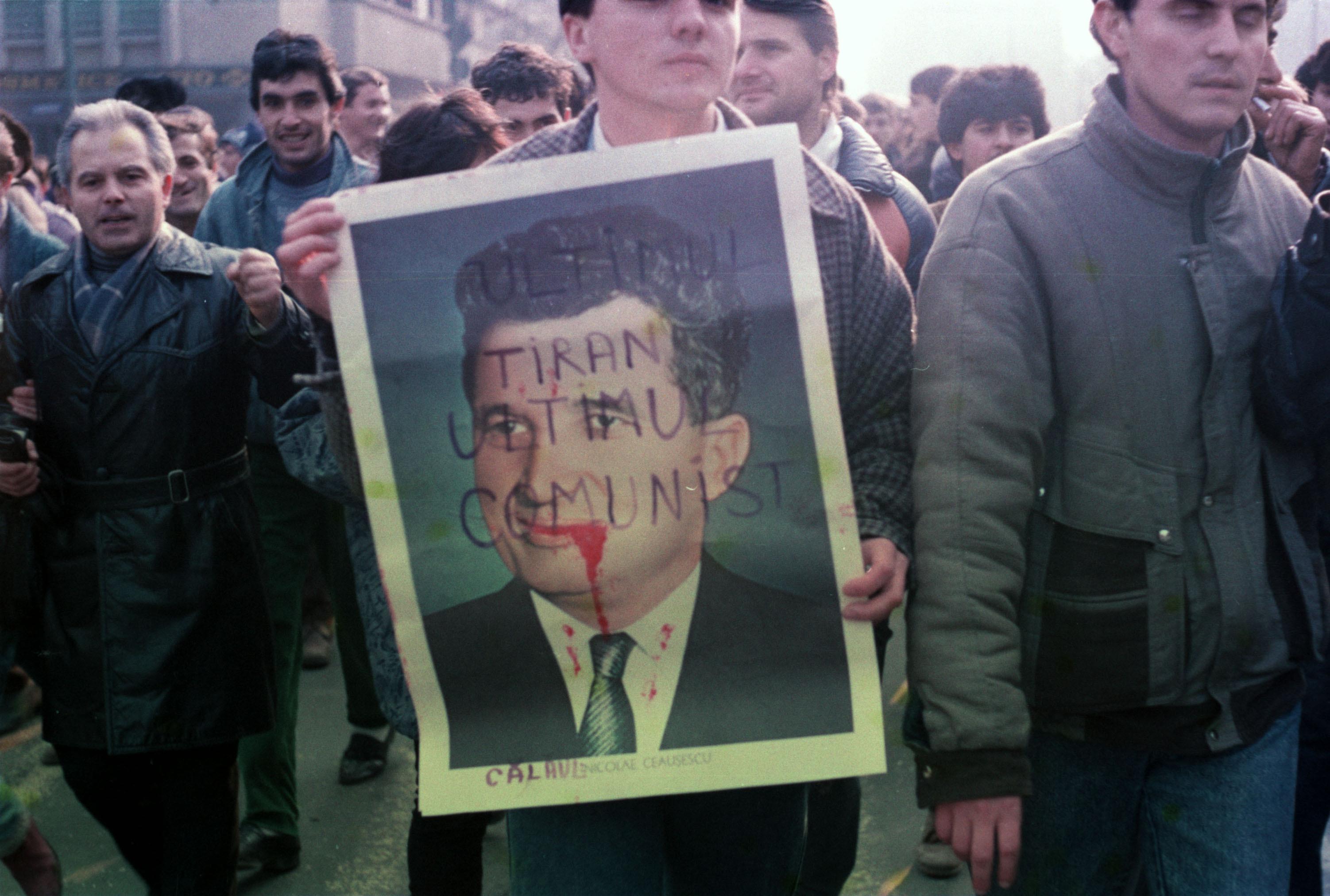 """21 decembrie 1989, Timişoara. Operaţiunea """"Tunetul şi Fulgerul"""" planul ascuns al lui Ceauşescu de a supune oraşul răzvrătit"""