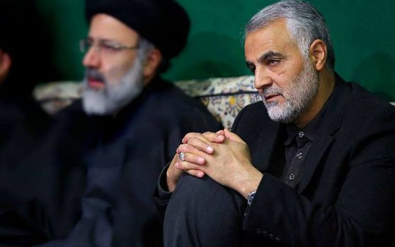 Imaginea articolului COMENTARIU Lelia Munteanu: Ayatollahii flutură steagul răzbunării, Trump îşi flutură ameninţările aberante