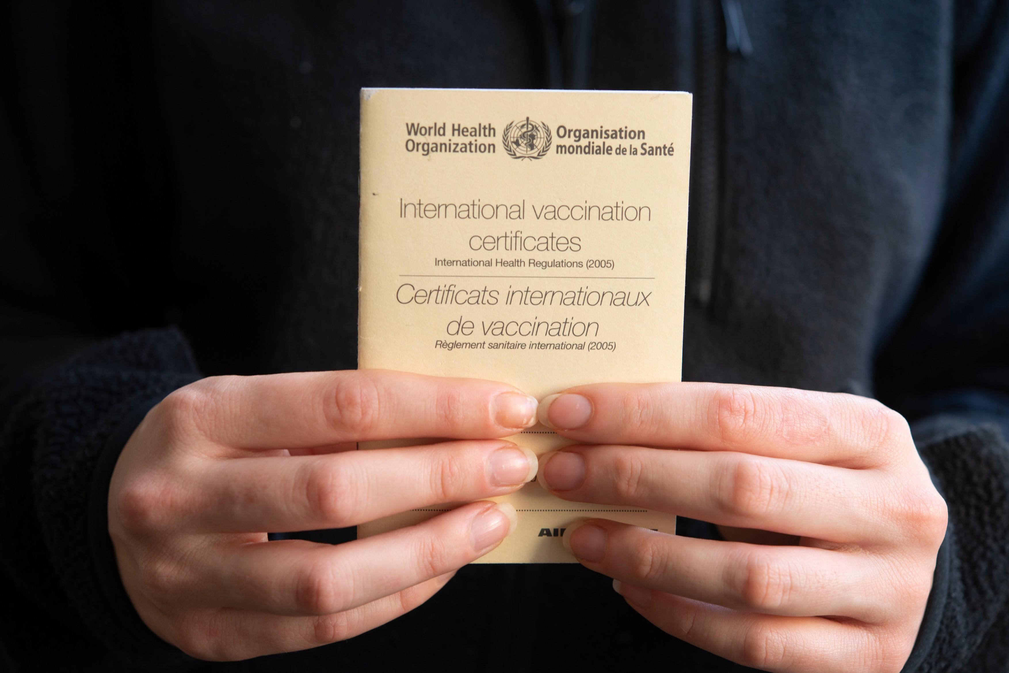 COMENTARIU Crenguţa Nicolae: Ia-ţi paşaport de vaccinare, arată că îţi pasă!