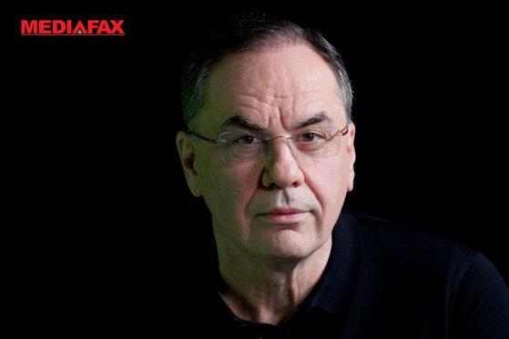 Imaginea articolului COMENTARIU Valeriu ŞUHAN: Profesorul şi ministrul de pripas...