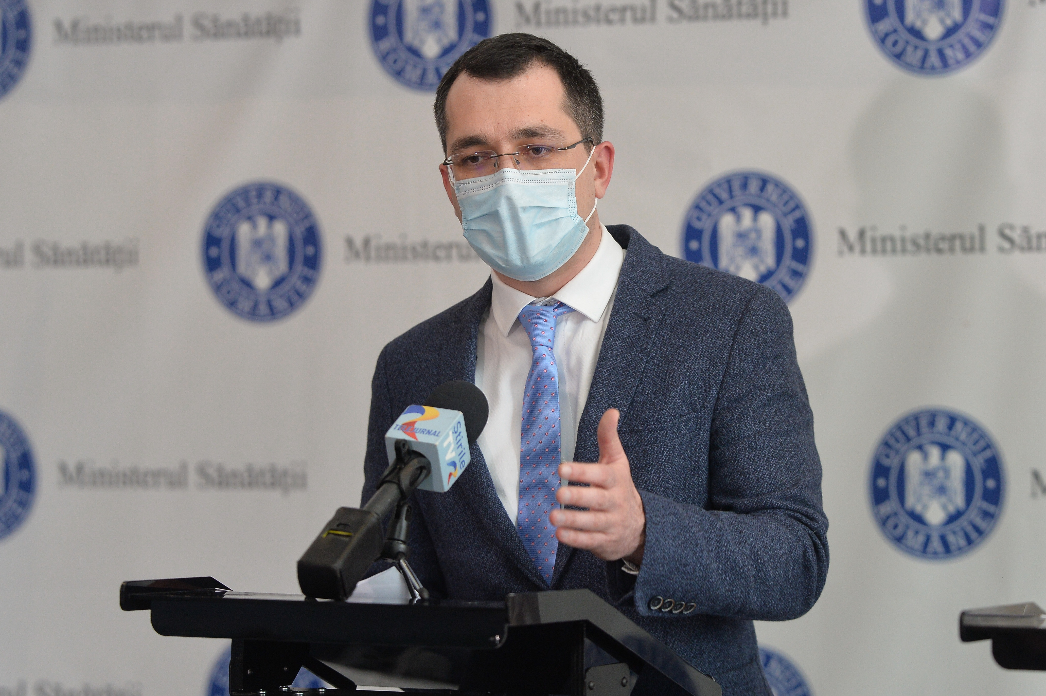 Vlad Voiculescu: 5 din 33 de candidaţi au promovat examenul pentru Casele de Asigurări de Sănătate
