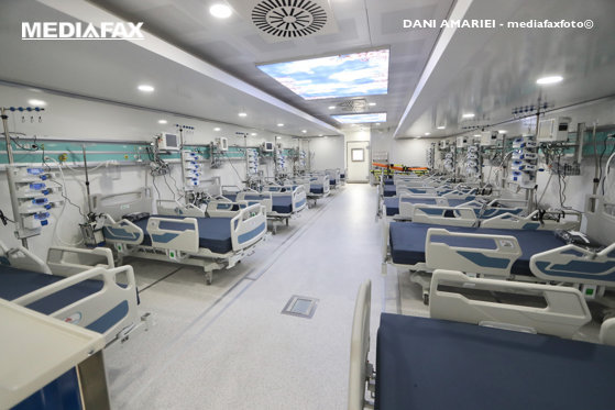 Spitalul modular de la Leţcani se deschide. Primii cinci pacienţi sunt în drum spre spital