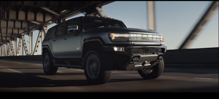 LeBron a prezentat noul Hummer electric. SUV-ul prinde 100 km/oră în doar 3.5 secunde