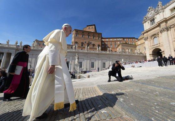 Imaginea articolului Papa Francisc a fost testat pentru coronavirus