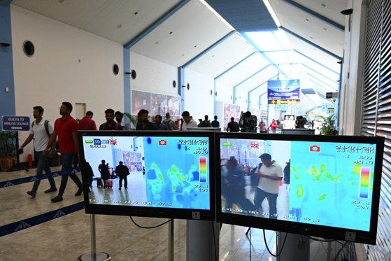 Imaginea articolului Sute de persoane au stat la coadă în aeroporturile din SUA pentru testele de screening