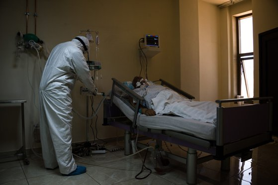 Situaţia ventilatoarelor în spitalele din România. 220 sunt defecte, 8 au fost reparate. Câte trebuie să sosească