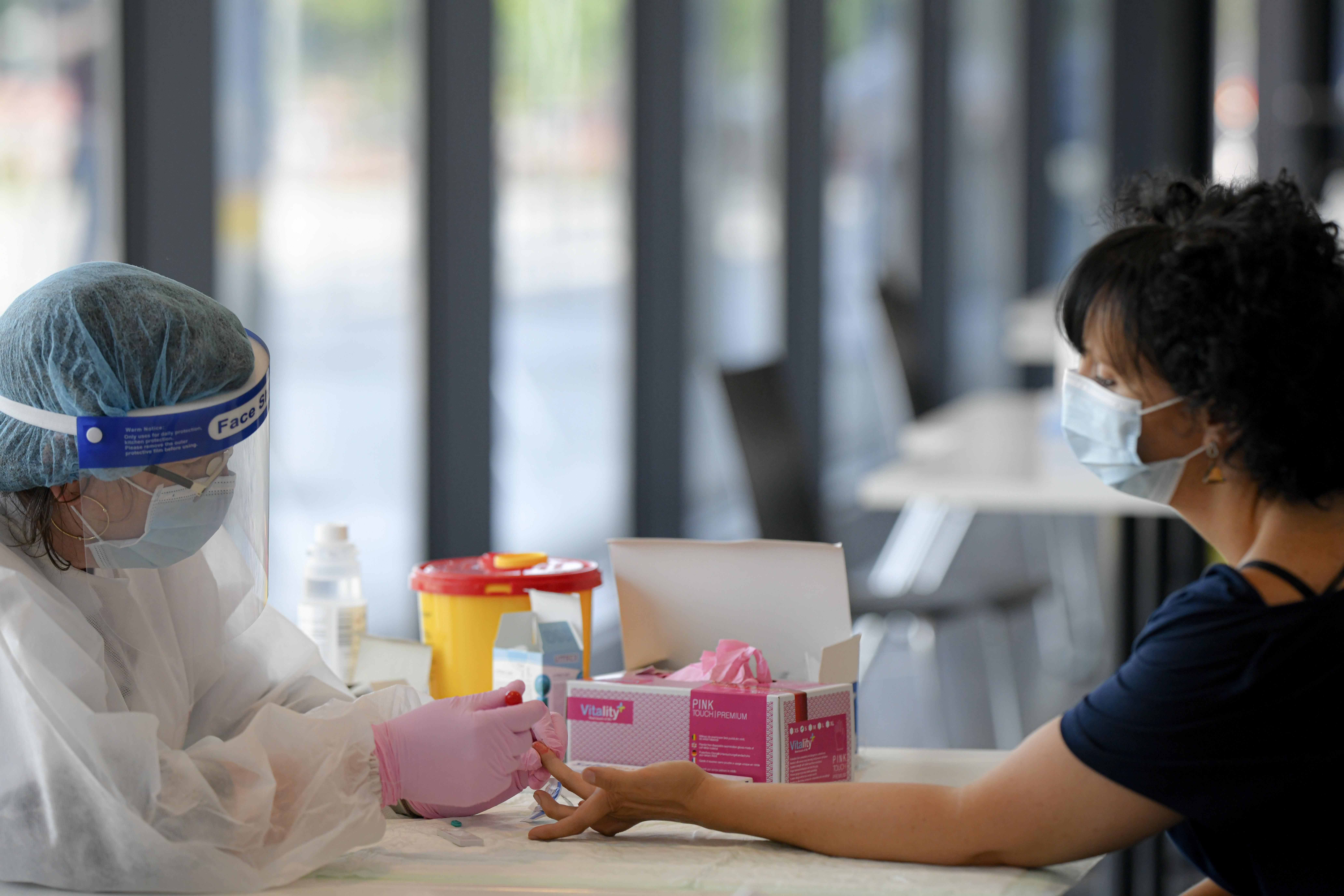 Teste pentru stabilirea nivelului de anticorpi COVID-19 la Spitalul de Pneumoftiziologie Sibiu. În ce condiţii se face recoltarea
