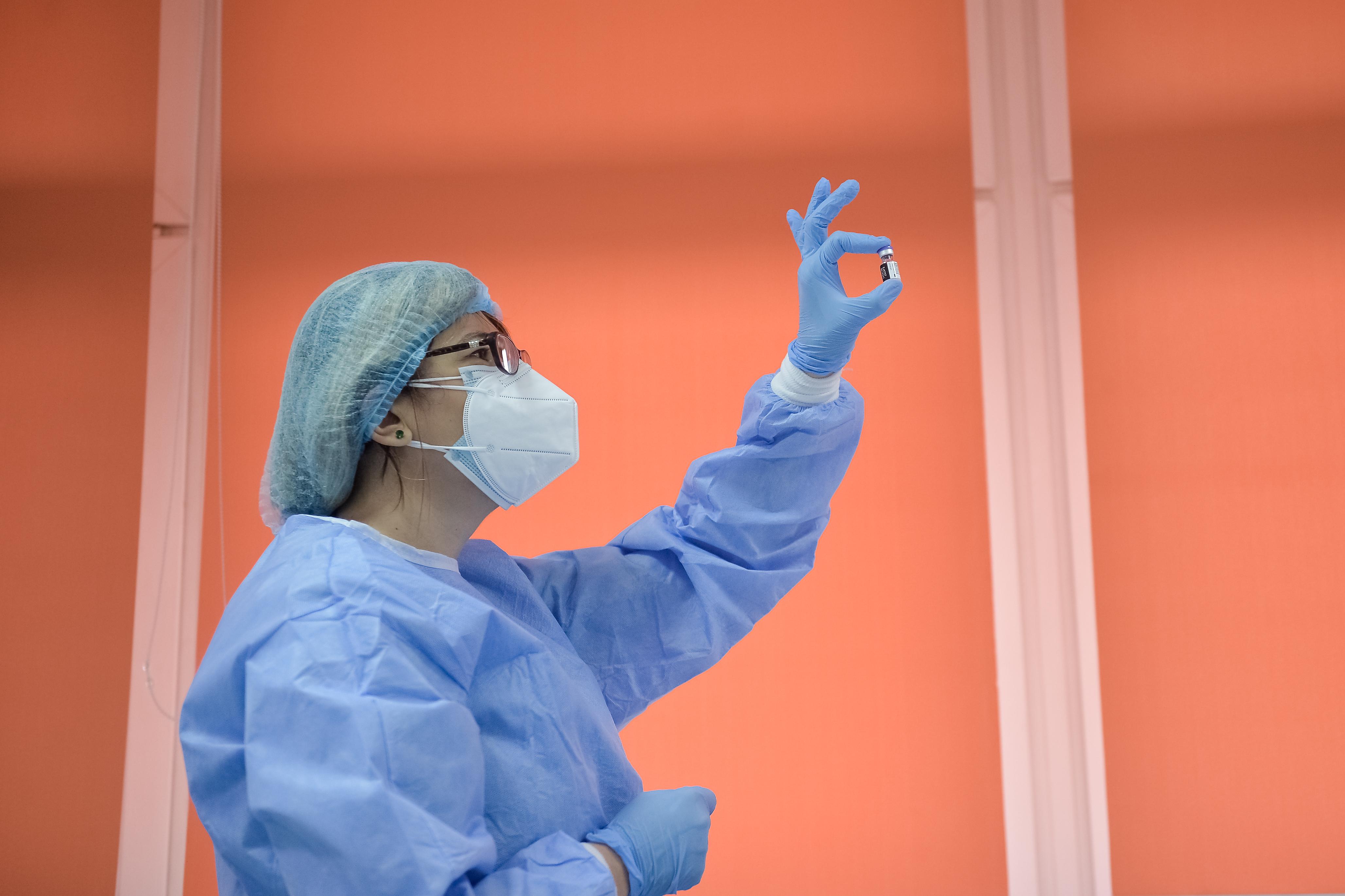 Coronavirus România LIVE UPDATE 27 iulie 2021. 175 cazuri noi şi două decese. Bilanţul COVID de marţi