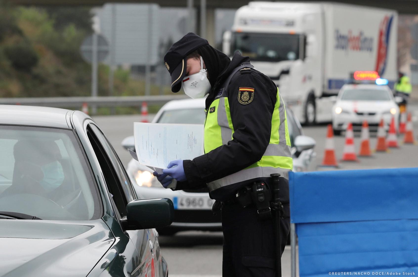 Timiş. Peste 200 de amenzi aplicate de poliţişti şi jandarmi pentru nepurtare măştii