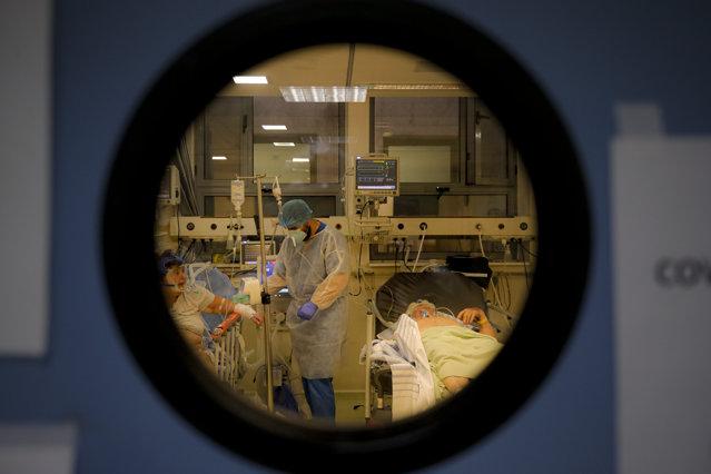 Image Coronavirus în România 23 octombrie 2021. Sute de decese şi peste 15.000 de cazuri. Bilanţ complet COVID-19