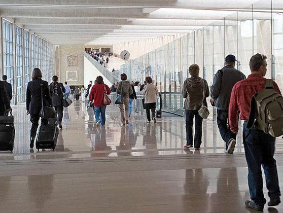 Tenerife Londra şi Barcelona Printre Destinaţiile Pe Care