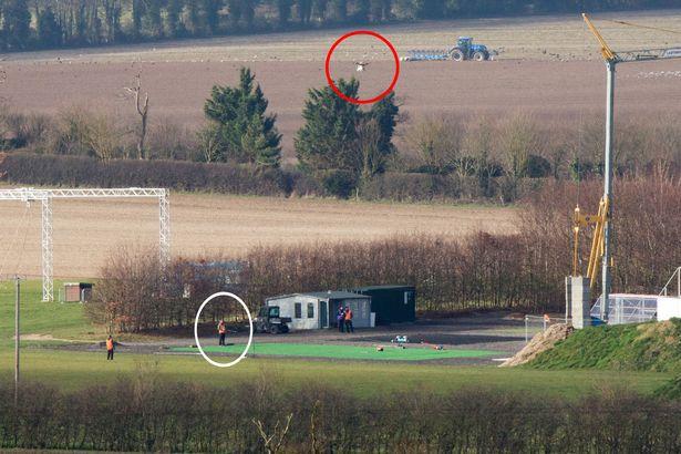 Inginerii Amazon testează drone în Cambridgeshire, Marea Britanie.