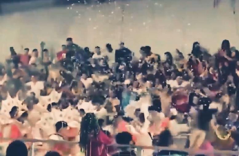 IMAGINILE ZILEI: Scena unui festival din Argentina s-a prăbuşit cu 250 de spectatori