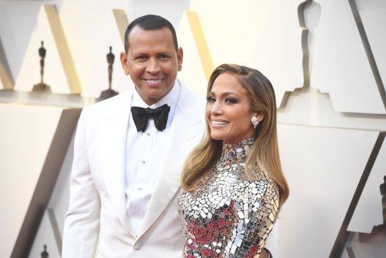 Imaginea articolului Jennifer Lopez şi Alex Rodriguez s-au logodit după o relaţie de doi ani. Cum arată inelul primit de cântăreaţă | FOTO