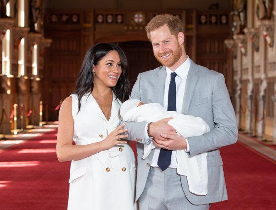 Imaginea articolului Prima fotografie în care se vede faţa bebeluşului Ducilor de Sussex a fost făcută publică | FOTO