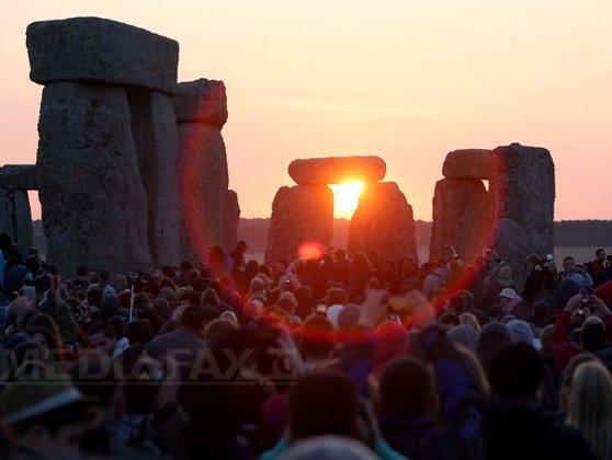 Imaginea articolului Cea mai lungă zi din an   Solstiţiul de vară, debutul verii astronomice, asociat şi cu diverse tradiţii populare