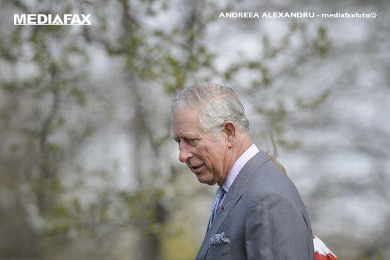 Imaginea articolului James Bond s-a întâlnit cu prinţul Charles
