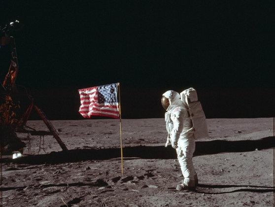 Imaginea articolului 50 de ani de la lansarea Apollo 11, misiunea care i-a dus pe oameni pe Lună/ Sărbătoare de amploare la NASA   FOTO, VIDEO