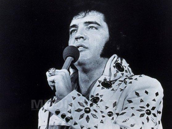 Imaginea articolului ASCULTĂ SMART RADIO | Una dintre maşinile lui Elvis Presley este scoasă la licitaţie chiar dacă a ajuns o rablă