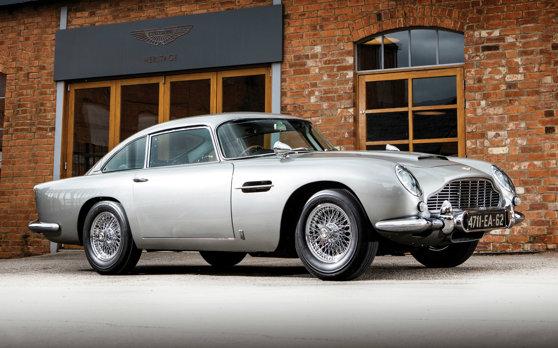 Imaginea articolului O maşină Aston Martin DB5, din filmele cu James Bond, vândută pentru o sumă URIAŞĂ   VIDEO