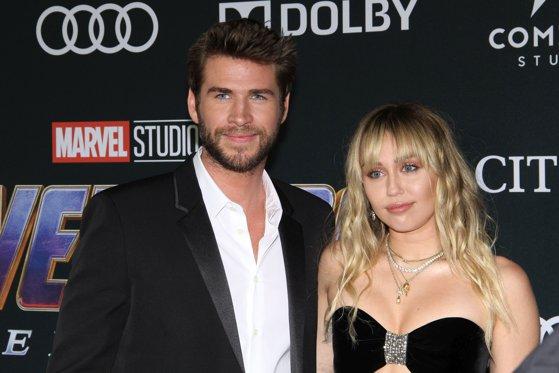 Imaginea articolului Ecourile unui mariaj de 8 luni: Miley Cyrus neagă acuzaţiile de infidelitate într-o polemică pe Twitter/ Madonna îi ia apărarea