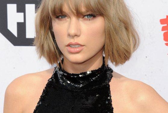"""Imaginea articolului Taylor Swift şi-a lansat cel de-al şaptelea album de studio, """"Lover"""""""