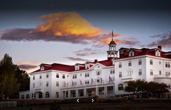 Imaginea articolului Şase destinaţii turistice pentru fanii dedicaţi ai scriitorului Stephen King: Ce capodoperă a inspirat Hotelul Stanley