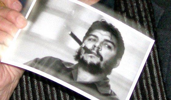 Imaginea articolului O carte cu scrisorile revoluţionarului Che Guevara va fi lansată în limba engleză, în anul 2021