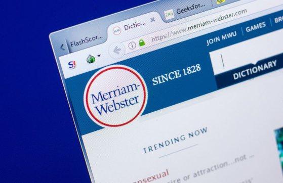 """Imaginea articolului """"They (ei/ ele)"""" a devenit pronume singular non-binar în dicţionarul online Merriam-Webster"""