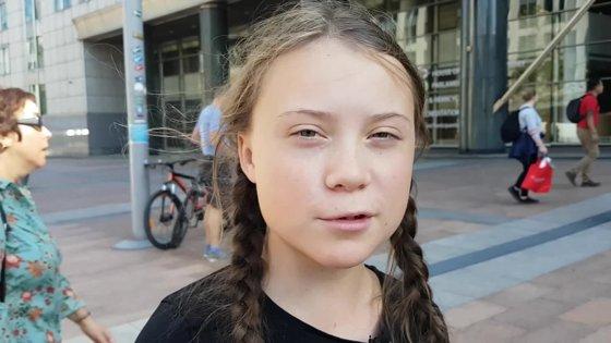 Imaginea articolului Un manechin cu faţa Gretei Thunberg, găsit spânzurat de un pod din Roma - FOTO