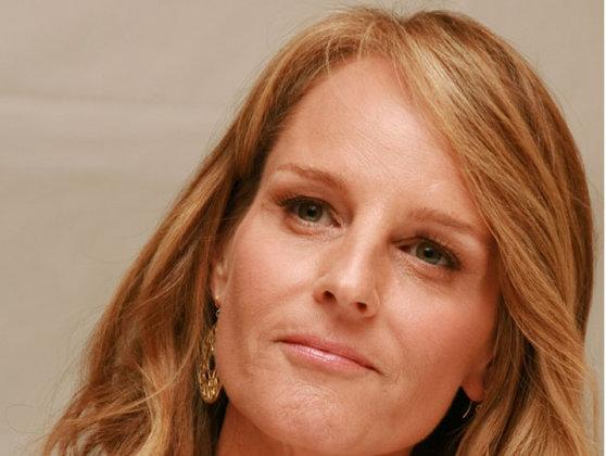 Imaginea articolului Actriţa Helen Hunt, transportată la spital după un accident de maşină