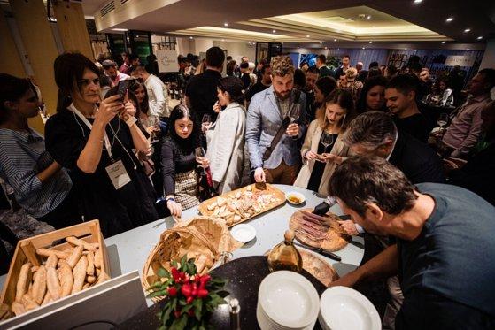 Imaginea articolului FOTO | RO Wine Cluj, ediţia a doua: Sute de vinuri şi mii de vizitatori