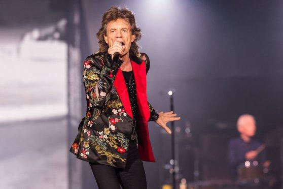 ASCULTĂ SMART RADIO | Mai multe fotografii inedite surprind primii ani ai trupei Rolling Stones