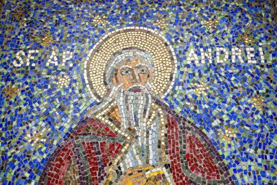 Imaginea articolului Sfântul Andrei, ocrotitorul României. Tradiţii şi obiceiuri: noaptea Sfântului Andrei are o semnificaţie deosebită