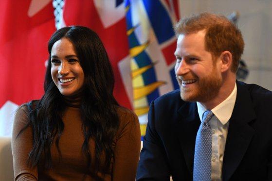 """Imaginea articolului Ultimatum pentru Harry şi Meghan. Regina Elizabeth a II-a cere ducilor de Sussex să ajungă la un """"acord Megxit"""" în 72 de ore"""