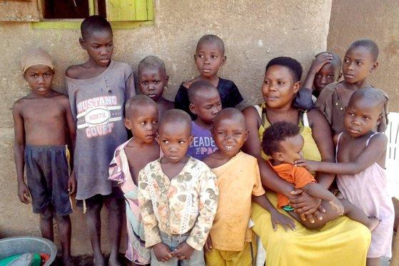 Imaginea articolului Unei femei i s-a interzis să mai nască după ce a făcut 44 de copii până la vârsta de 36 de ani