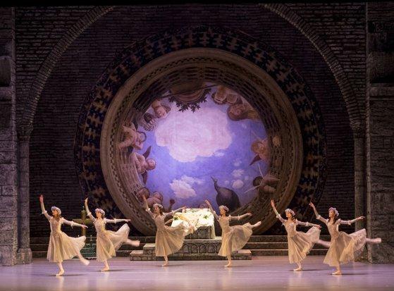 Imaginea articolului Prestigiosul Teatru de Operă şi Balet din Perm rămâne deschis, însă doar pentru câte un singur spectator pe reprezentaţie. Cum vor fi aleşi norocoşii melomani