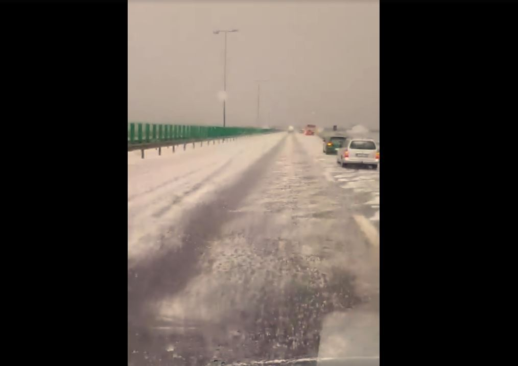 Constanta County Affected by Hail, A4 Highway Covered in Ice