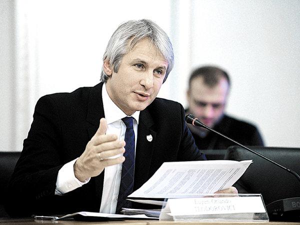 Una dintre cele mai controversate discuţii revine: Ministrul finanţelor vorbeşte din nou despre centralizarea achiziţiilor publice