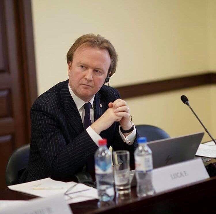 """Opinie Florin Luca, economistul şef al CEC Bank: """"Va curge sânge?"""""""