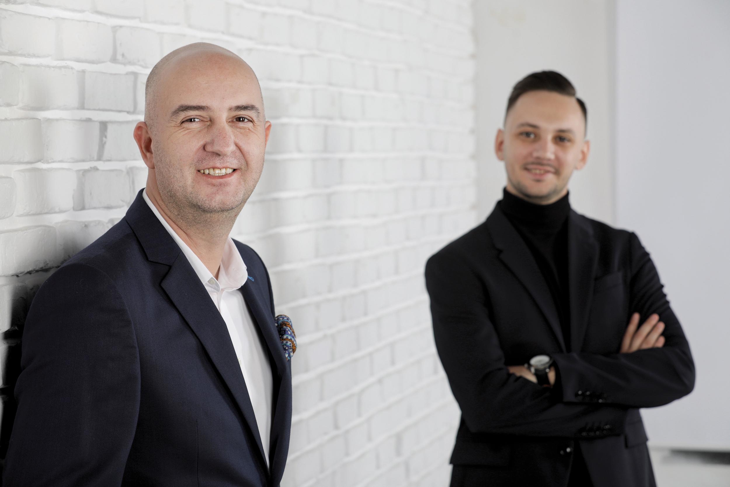 Business Magazin. Care sunt planurile lui Radu Savopol, cel care a fondat 5 to go, pentru 2021 şi în cât timp îţi poţi recupera banii dacă investeşti în această franciză