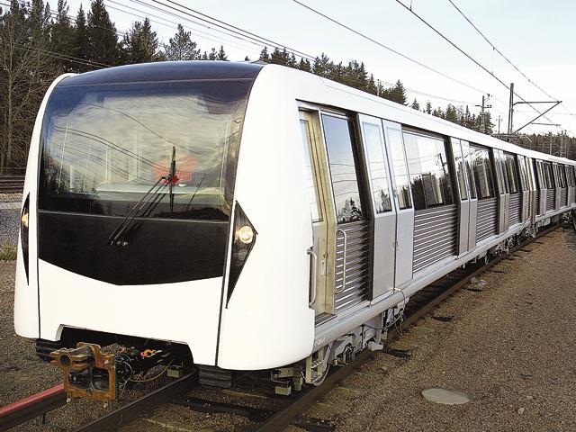 Abia în 2050 vom avea o cale ferată rapidă. În acest timp, trenurile de pasageri circulă cu o viteză medie de 45 de km/oră, faţă de 60 de km/oră în '90