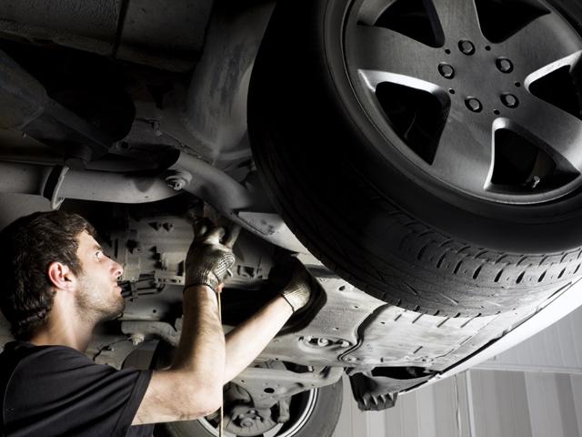 Service-urile auto din România vor să aducă muncitori din China