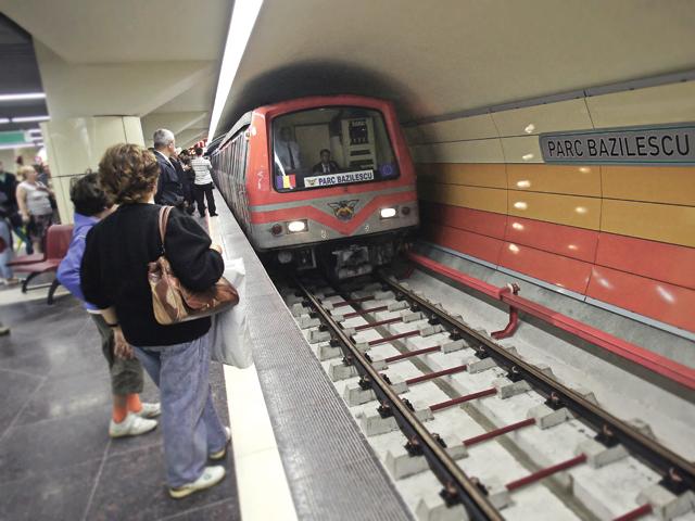 Se justifică economic construcţia metroului până la aeroportul Henri Coandă (Otopeni), un proiect de 1,3 miliarde de euro, sau mai bine s-ar dezvolta linia de cale ferată până la aeroport?